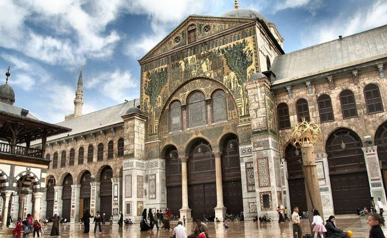 Exterior of the Umayyad Mosque – Photo: gmiah.hubpages.com