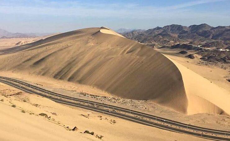 Katheeb al-Hannan the sand mountain