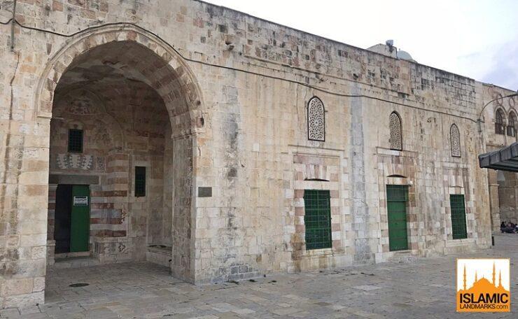 Front view of Madressa Ashrafiya