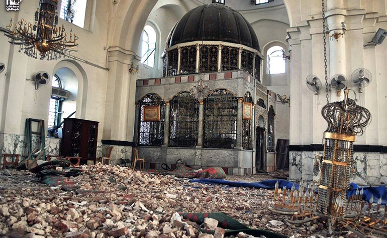 Destruction of the Mosque of Khalid bin Waleed from the inside – Photo: frontstreetmagazine.com