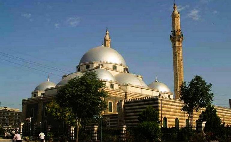 The Mosque of Khalid bin Waleed before its bombing – Photo: alisariram.wordpress.com