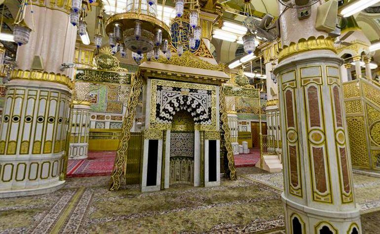 Riadhul Jannah, mehrab, Mimbar pulpit, Sacred Chamber
