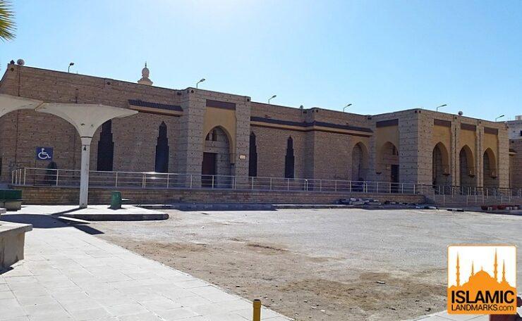 Front view of Masjid Abdullah bin Abbas (رضي الله عنه)