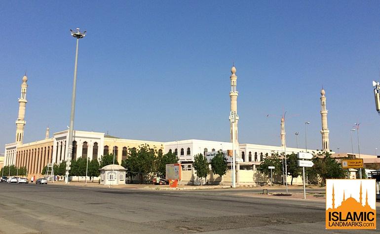 Rear view of Masjid Nimrah