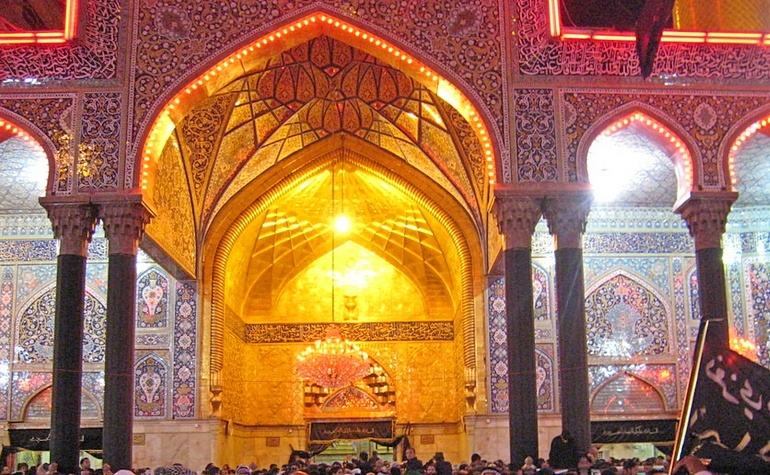 Entry gate to the mosque of Hussain (رضي الله عنه)