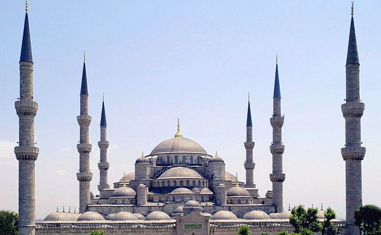The Blue Mosque (Sultan Ahmet Mosque) The Sultan Ahmet mosque in Istanbul