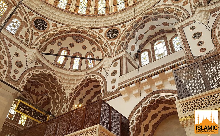 Architectural pattern of the Yeni Valide mosque