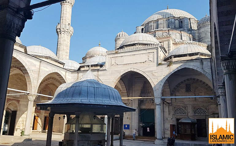 Courtyard of the Sehzade mosque