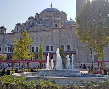 Exterior view of Fatih mosque