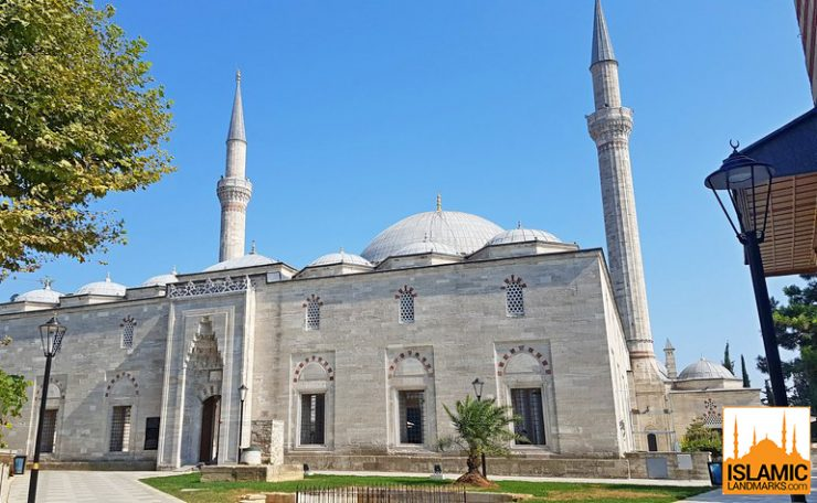 Front view of the Yavuz Selim mosque