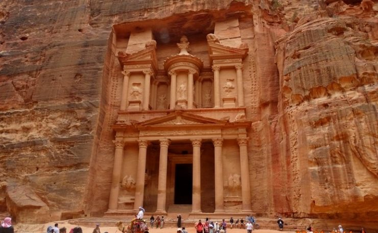 The Treasury, Petra - IslamicLandmarks.com