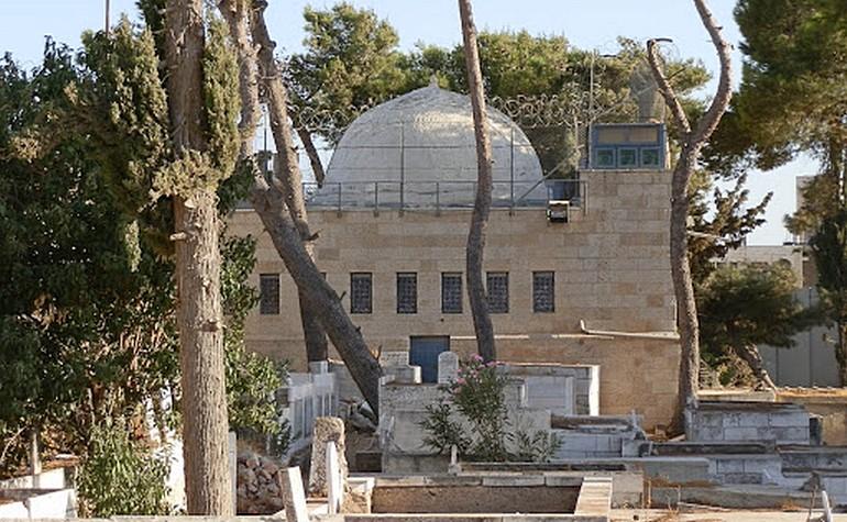 Building housing the tomb of Rahil (Rachel)