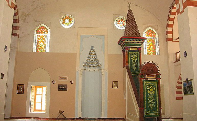 Inside the Juma-Jami Mosque