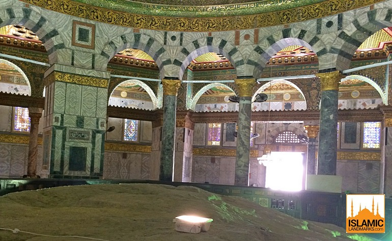 4-internal-pillars-in-the-Dome-of-the-Rock